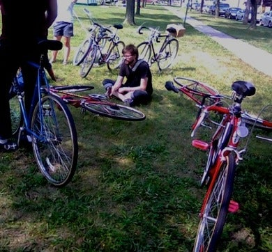 Hipsters On Bicycles Seek To Screw With Woodward Dream Cruise