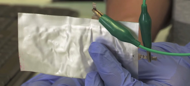 This Super-Stable Aluminum Battery Can Charge in 60 Seconds