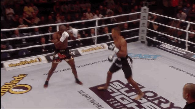 Kickboxer Knocked Out In First Round With 360 Back Kick