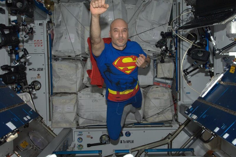 Microgravity adds authenticity to ISS astronaut's Superman costume