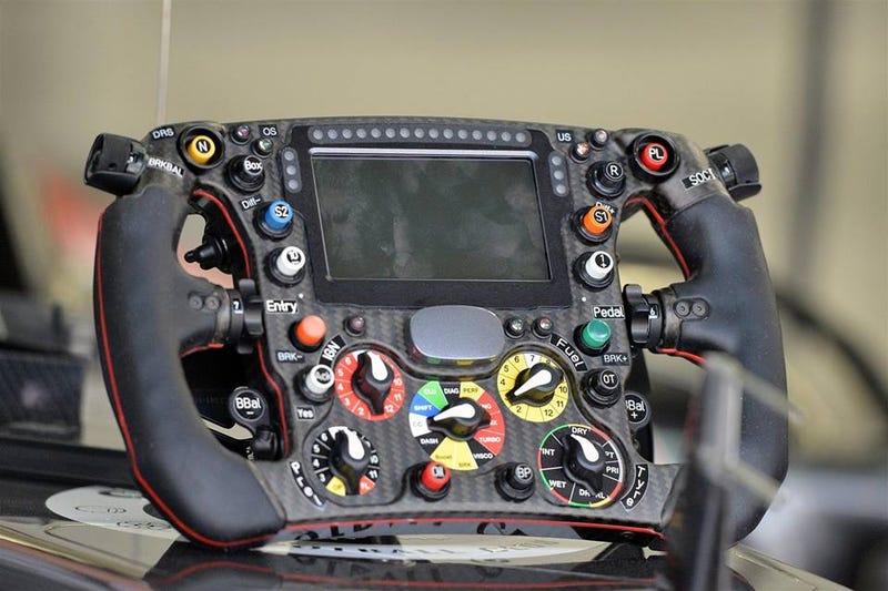 C33 Steering wheel