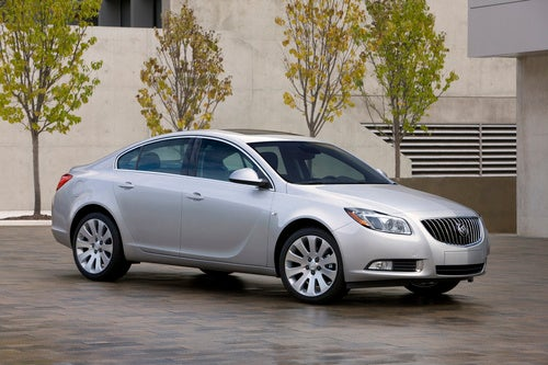 2011 Buick Regal: Press Photos