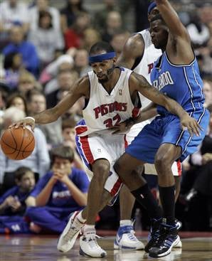 NBA Roundup: Pistons Sign Off On Another Title