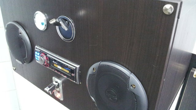 Turn an Old Car Stereo Into a Boom Box