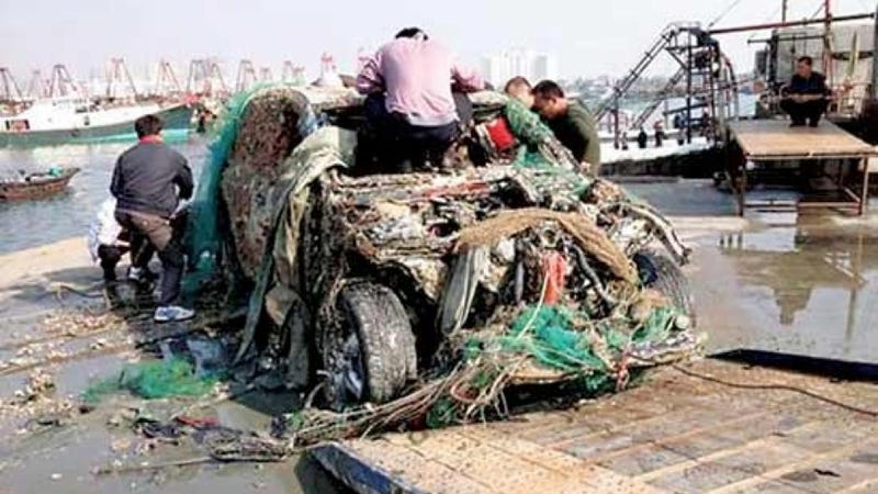 Chinese Fishermen Catch A Porsche Cayenne Instead Of Delicious Fish