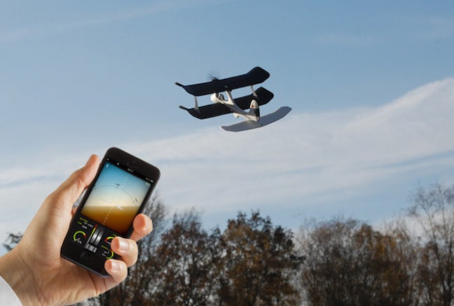 Get 30% Off The SmartPlane – The iOS & Android Controlled Drone Plane