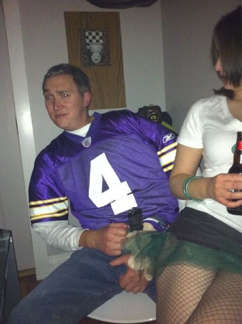 Here Are Many More Shots of People Pretending To Be Brett Favre And Jenn Sterger