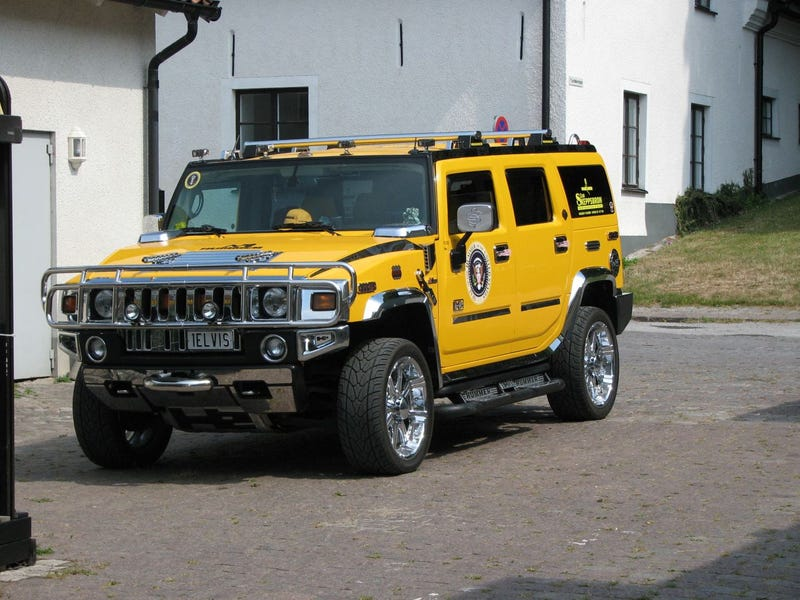 Gun-Barrel-Equipped Hummer, Monte Carlo, Mustang II Send Swedes Fleeing In Panic