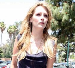 Mischa Barton Collapses, Nicole Richie Hates Her Mom