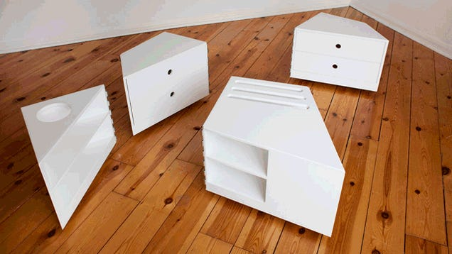 This Infinitely Configurable Table Was Made for Flip Floppers