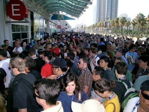 You think the SDCC crowds are bad? Here are the 10 most bloodthirstily awesome mobs!