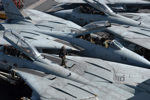 Elite F 14 Flight Officer Explains Why The Tomcat Was So