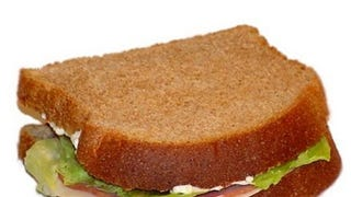 Triangle cut vs. rectangular cut sandwiches - Oppo weigh