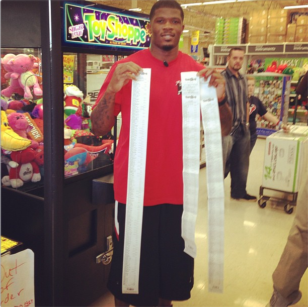 "Andre Johnson Spent $19,521.14 At Toys ""R"" Us For Kids In Child Protective Services' Care"