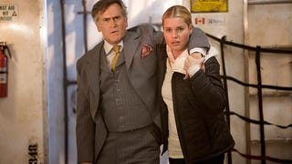 On <i>The Librarians</i>, Bruce Campbell Is the BEST SANTA EVER