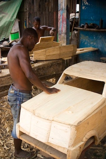 Die In Ghana, Get a $600 Car Coffin