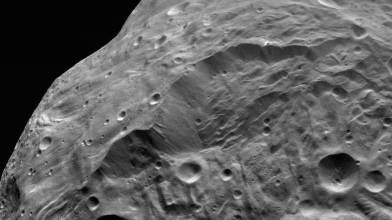 Ancient landslides shaped the magnificent cliffs of Vesta