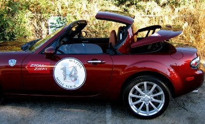Jalopnik Reviews: 2007 Mazda MX-5 Miata Power Retractable Hardtop, Part 1