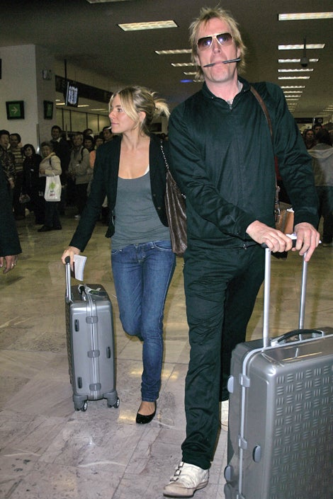 Sienna Miller & Rhys Ifans: Matching Bags, Disheveled Hair