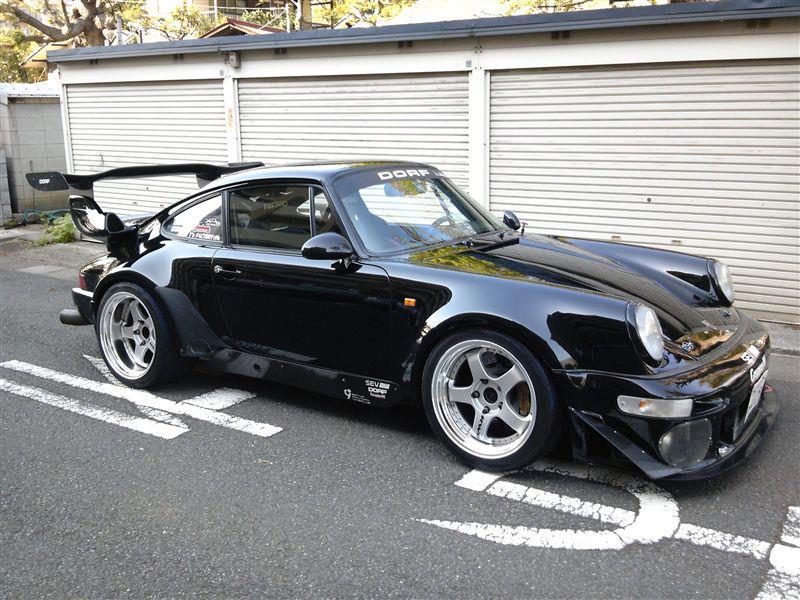 "Wangan's infamous ""Blackbird"" Porsche 930 Turbo"