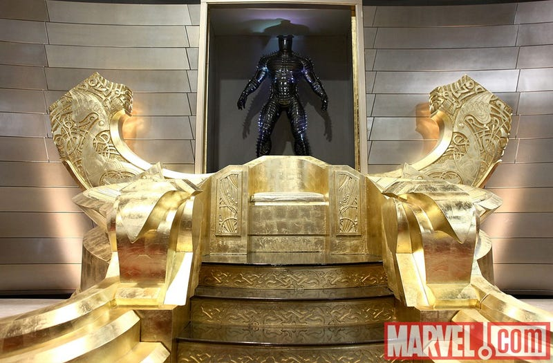 The Destroyer emerges from Asgard on the Comic Con floor