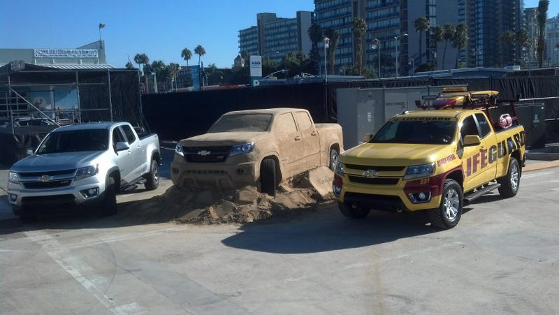 Watch These Guys Make A Perfect, Life-Sized Chevy Colorado Out Of Sand