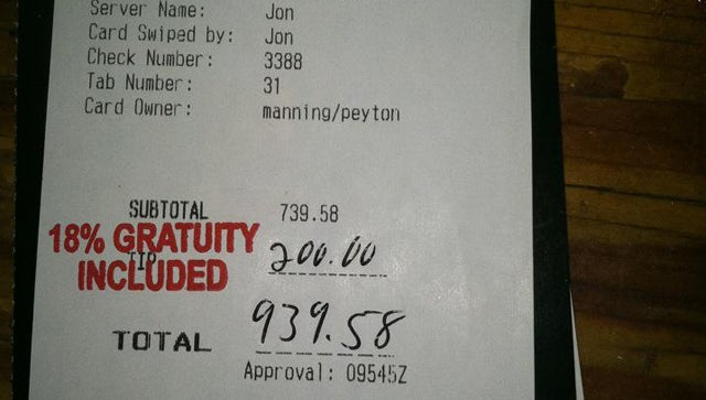 Peyton Manning Leaves Insanely Good Tips At Restaurants
