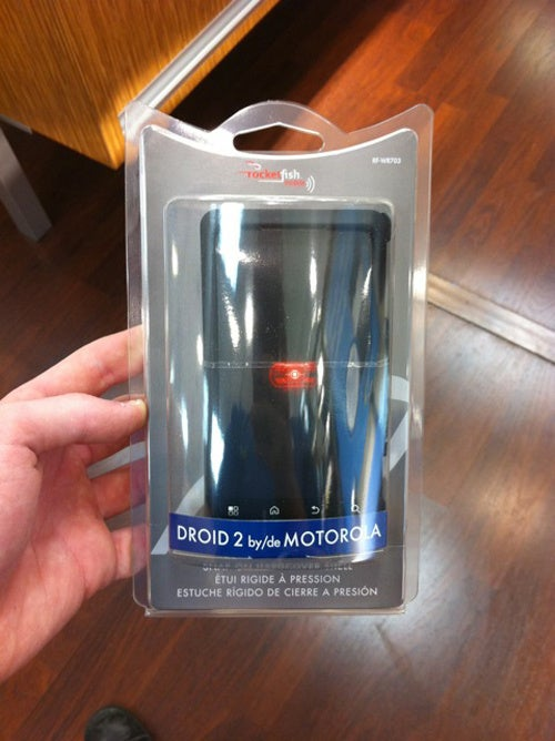 Motorola Droid 2 Cases Rock Up at Best Buy, But Where's the Phone?
