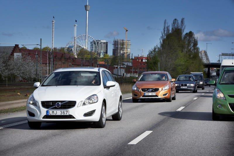 Volvo Hits Swedish Streets With 100 Self-Driving Cars So You Can Tweet