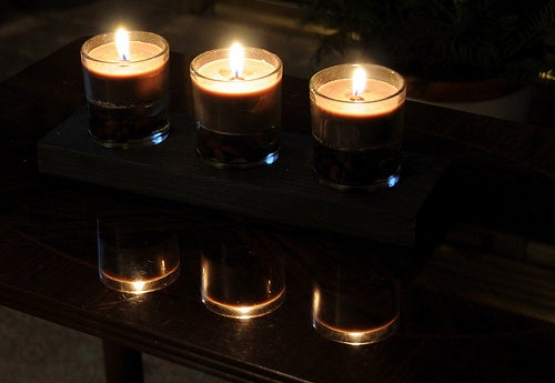 Power Down and Save Money Tonight for 2010 Earth Hour