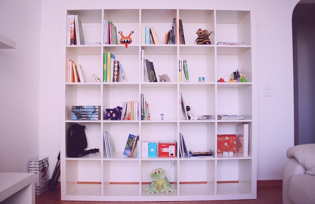 here 39 s why ikea is discontinuing everyone 39 s favorite shelf. Black Bedroom Furniture Sets. Home Design Ideas