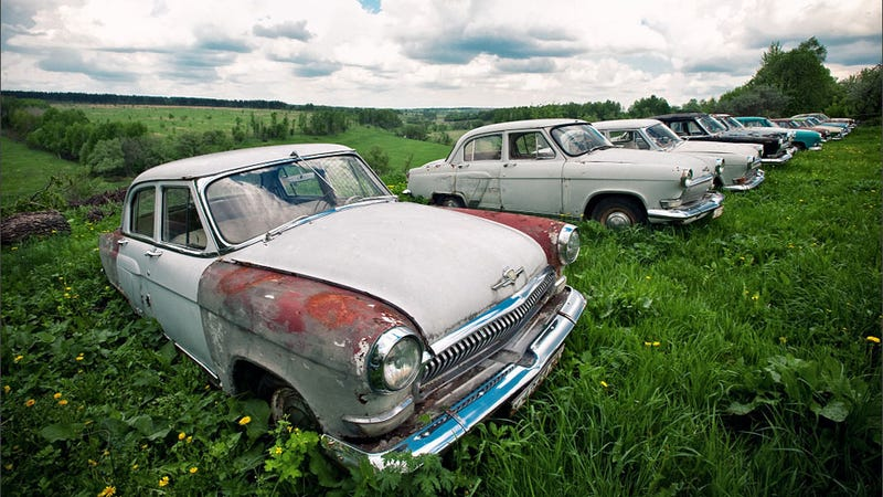 Amazing pictures of an outdoor Russian car museum