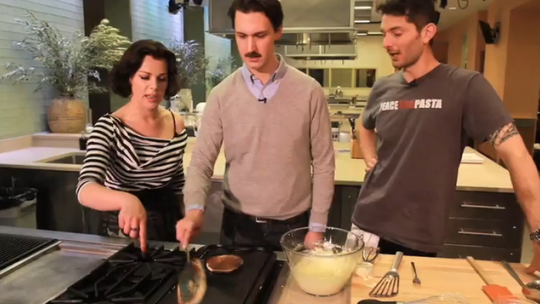 Debi Mazar Gives Us a Cooking Lesson