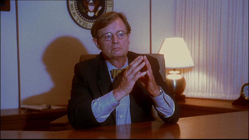 Ducky v prezidentském křesle na palubě Air Force One (1. řada, 1. díl Air Force One)