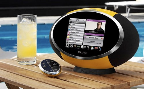 Sensia DAB and Wi-Fi Radio Delivers Big Touchscreen, Twitter and Facebook Apps