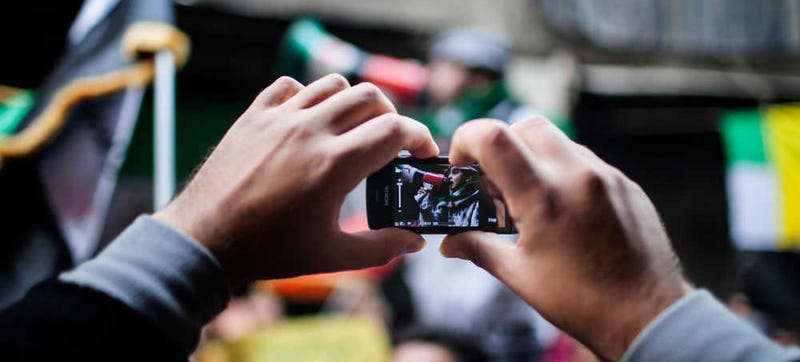 How to Safely Use Your Phone at a Protest