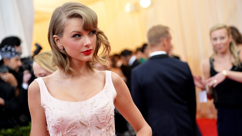 Taylor Swift Complains About Shit-Ass Garden in Wall Street Journal