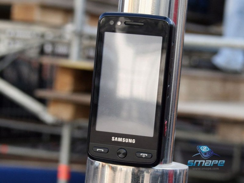 Samsung's M8800 Pixon Cellphone Hits, With 8-Megapixel Autofocus Camera
