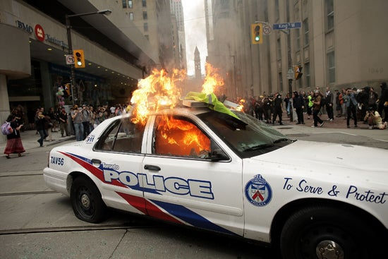 Angry Canadians Torch Cop Cars During G-20 Protests