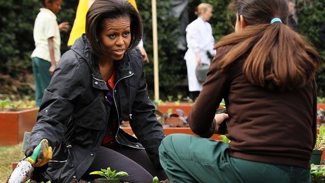 Michelle Obama Will Write Book On White House Garden