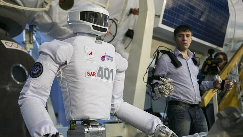 Russia's Cosmobot Is Getting Ready to Walk in Space