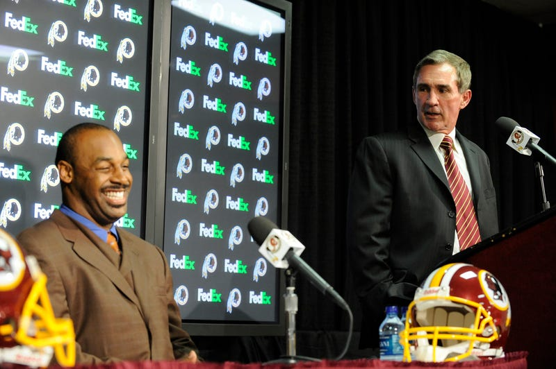 Impartial Observer Donovan McNabb Worries That Mike Shanahan Will Ruin Robert Griffin III