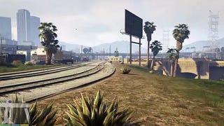 Un jugador recorre el mapa de GTA V paseando de una punta a otra