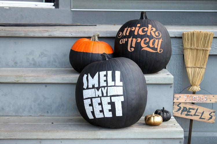Make a Chalkboard Pumpkin for an Easy, Mess-Free Halloween Decoration