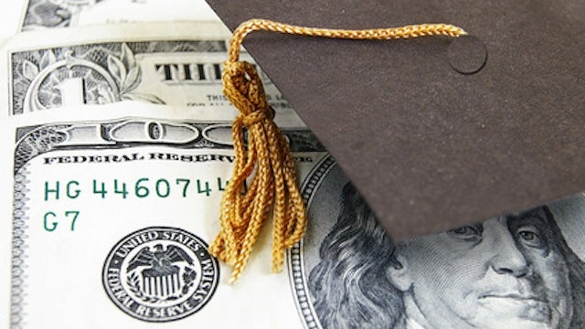 SponsorChange Lets You Pay Off Your Student Loan With Volunteer Work