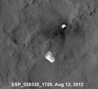 Watch Curiosity Rover's parachute flap in the Martian wind