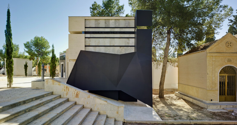 An Engineer Commissioned This Incredible Mausoleum For Himself