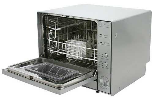 The Littlest Dishwasher