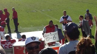 Darnell Dockett Mocks Raiders Fans With Whiteboard