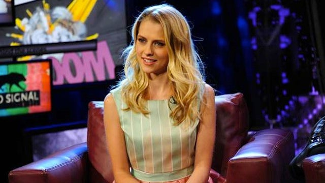 "Aussie Beauty Teresa Palmer is ""Number Six"" in I Am Number Four"